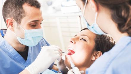 implantátumokkal szaga van a szájnak