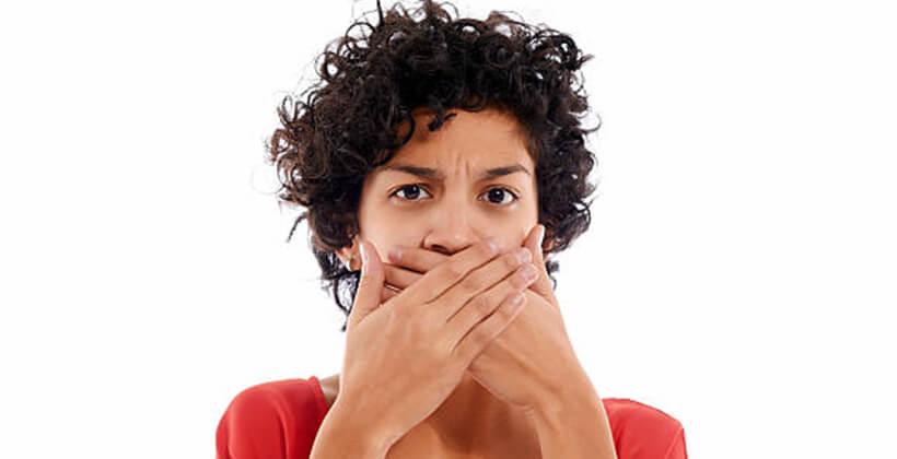 Okozhatja-e emésztési probléma a rossz leheletet?