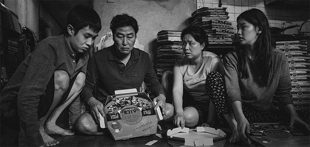 Mától országszerte újra mozikban az Élősködők – fekete-fehérben is! | mobil-autouvegezes.hu